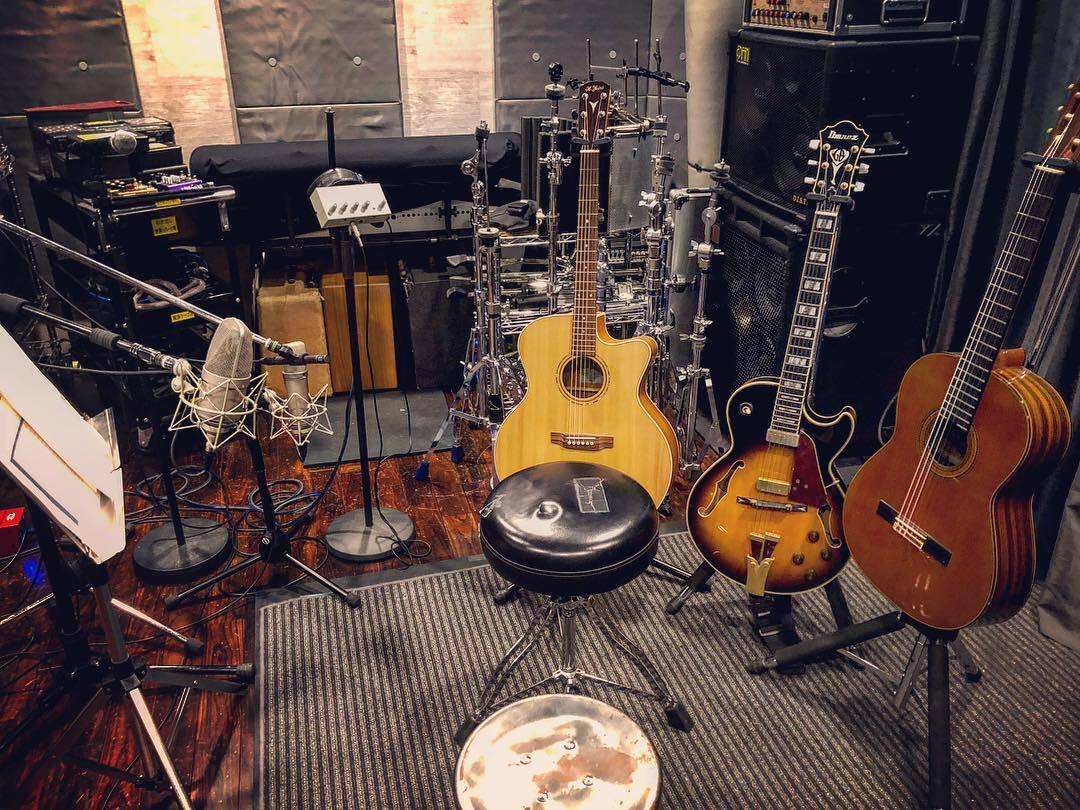 スタジオでの本人によるギター録音