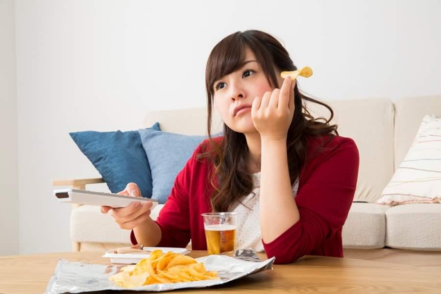 「食べて、ストレス解消」20年で18ポイント増え4割に