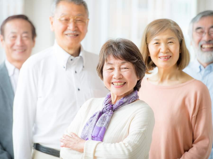 """【""""長生きしたい"""" は42%】老後に「楽観的」な男性と「現実的」な女性"""